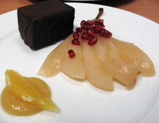 Gingerbread mit Rumcreme und pochierte Birne