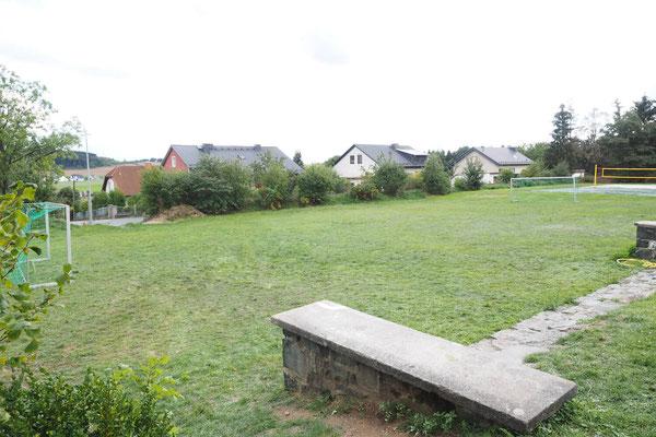 Gelände – Fußballplatz