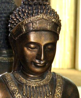 Thailändischer Wächter im Yogaraum