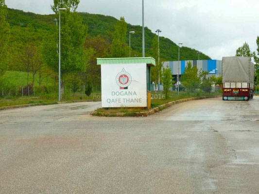 En approche du poste-frontière macédonien
