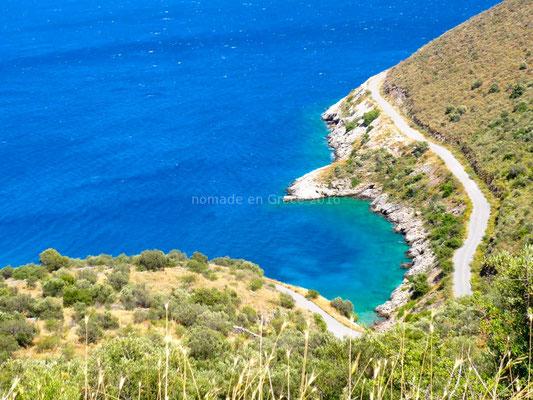 Toujours la côte avec ses reflets bleus et verts.