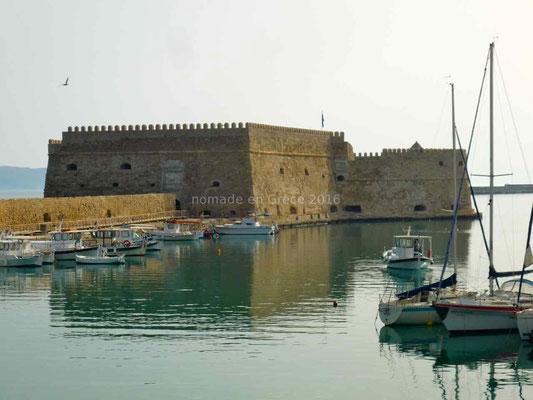 Héraklion, Fort vénitien à l'entrée du port.