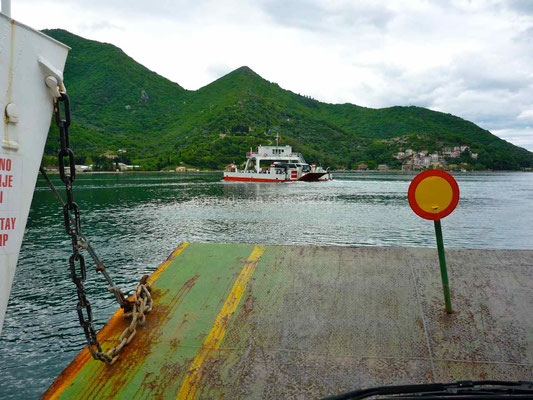 Le bac des bouches de Kotor