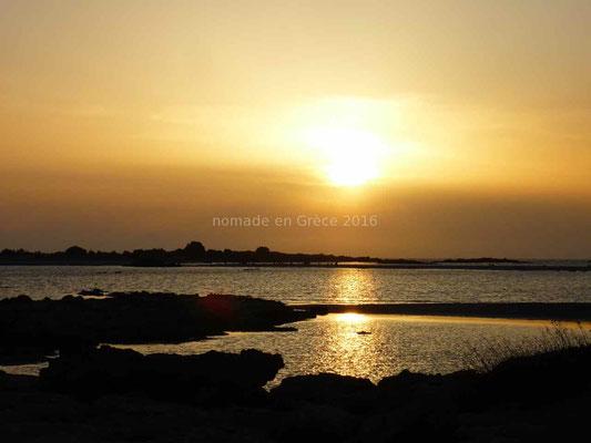 Et comme presque chaque soir, un magnifique coucher de soleil.