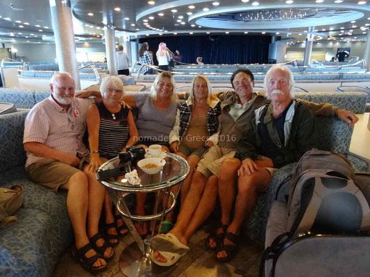 Sur le bateau avec Lee, Monique, Fernand et John.