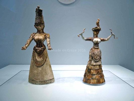 Musée d'Héraklion, Déesses aux serpents
