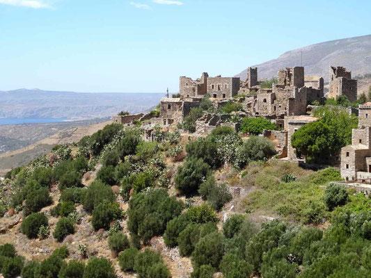 Le village abandonné de Vatheia