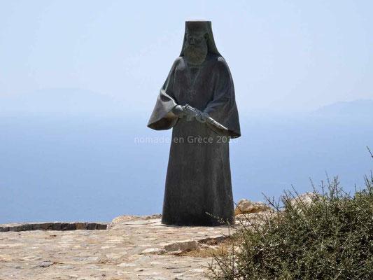 Statue du pope armé