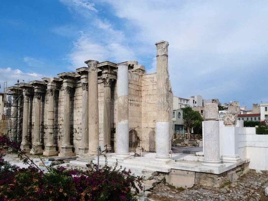 Au détour d'une rue: des colonnes