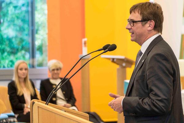 Kirchenpräsident Volker Jung