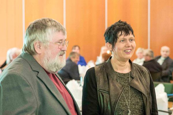 Manfred Abt und Pfarrerin Heidi Houska