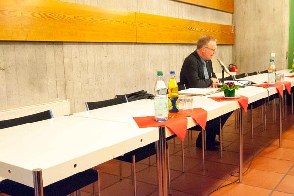 Dekan Burkhard zur Nieden vor den Wahlen