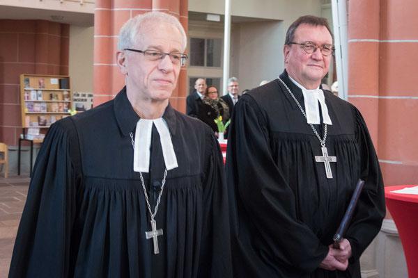 Propst Helmut Wöllenstein (links) und Bischof Prof. Dr. Martin Hein