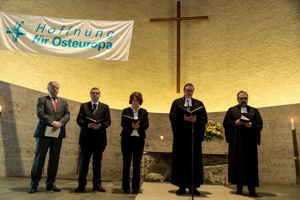 Fürbitten Pfarrer Friedholm Pieper (vlnr), Okr Detlev Knoche, OLKRin Dr. Ruth Gütter, Bischof Prof. Dr. Martin Hein, Propst Matthias Schmidt