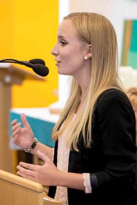 Poetry Slam von Schülerin Jessica Haag, Laubach Kolleg