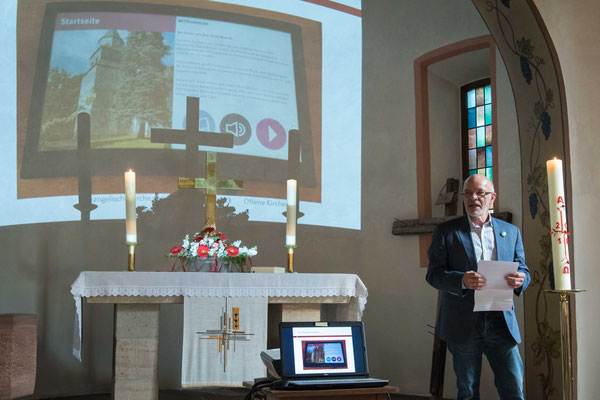 Heinz-W. Hilberg präsentierte das Info-System