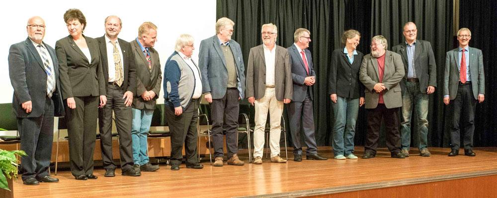 Jetzige und ehemalige Kollegen im Referat Wirtschaft - Arbeit - Soziales (Foto: Uwe Seibel, bearb. Karl-Günter Balzer)