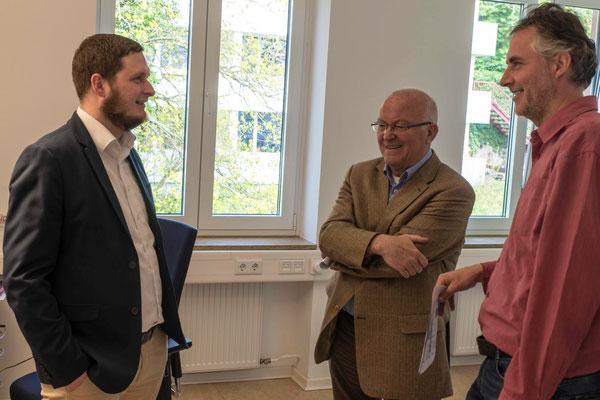 Informationsgespräche in den neuen Büros