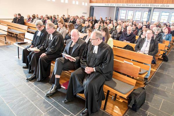 Dekan Gerhard Failing, Biedenkopf (v.l.n.r.), Dekan Burkhard zur Nieden, Marburg; Präses Joachim Lies, Friedensdorf; Diakoniepfarrer Ulrich Kling-Böhm, Marburg