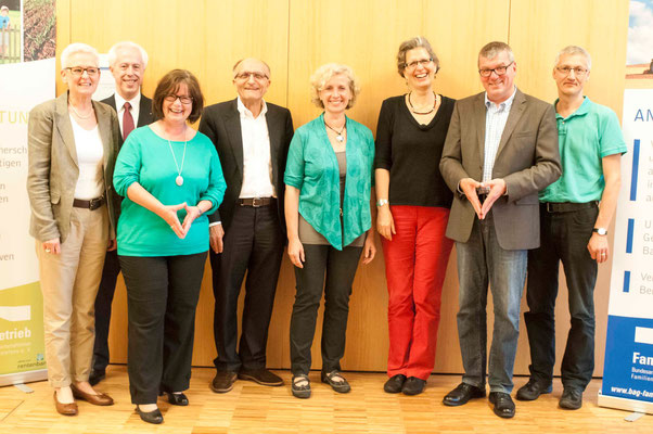 Dr. Elke Dührßen (v.l.n.r.), Dr. Hans Helmut Horn, Karin Deichert, Heinz Schostok, Christina Meibohm, Ute Göpel, Dr. Jochen Gerlach, Hartmut Schneider (Foto: Karl-Günter Balzer)