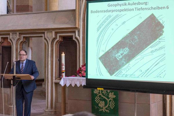 Uwe Brückmann stellte die Funde auf der Aulesburg vor