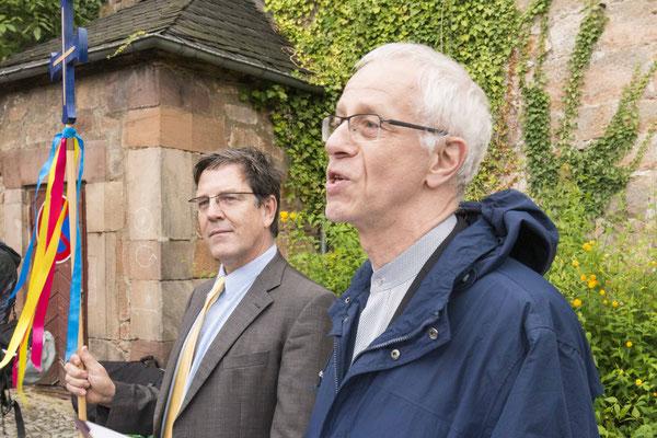 Landeskirchenmusikdirektor Uwe Maibaum (links) und Propst Helmut Wöllenstein