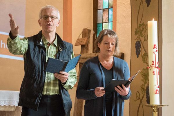 Propst Helmut Wöllenstein und Dekanin Petra Hegmann gestalteten die Andacht