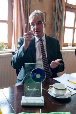 Stolz auf den Spareuro: Uwe Stoiber, Bürgermeister von Lichtenfels