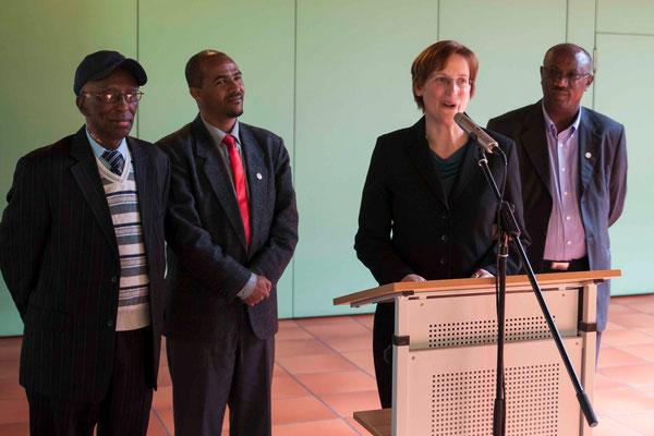 Bettina Mohr und äthiopische Delegation: Taye Gemeda (Projektleiter Äthiopien), Aman Ababu, Präsident Rev. Abraham Ningesha
