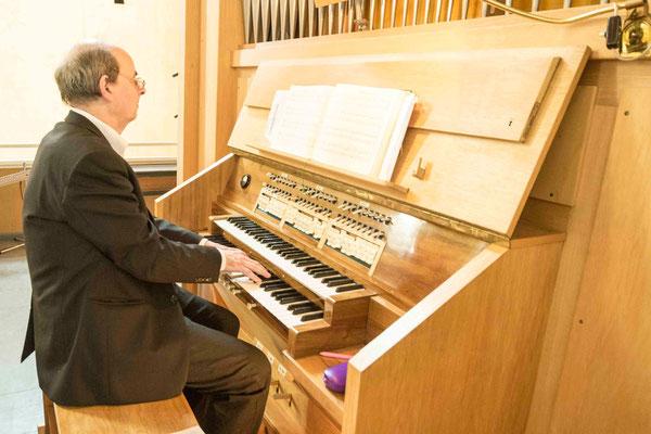 Organist Uwe Holst