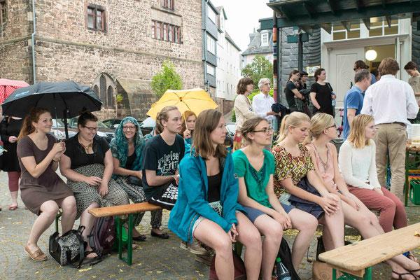 Zu Anfang sah es nach Regen aus, aber das Publikum hatte viel Freude