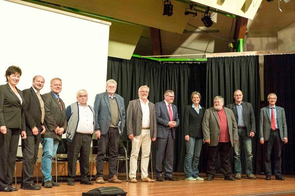Jetzige und ehemalige Kollegen im Referat Wirtschaft - Arbeit - Soziales (Foto: Eberhard Wisseler, bearb.Karl-Günter Balzer)