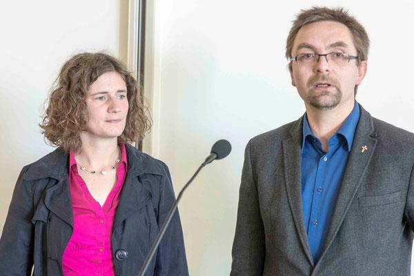 Pfarrerin Anja Fülling und Pfarrer Konrad Schullerus berichteten aus der Arbeit der Pfarrvertretung