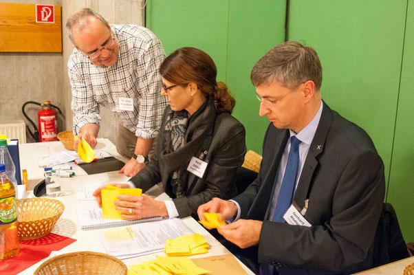 Auszählung der Stimmen: Ulrich Kling-Böhm, Karin Dittmar, Gerhard Rödiger