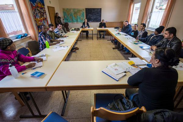 Deutschunterricht im Begegnungscafé Goßfelden