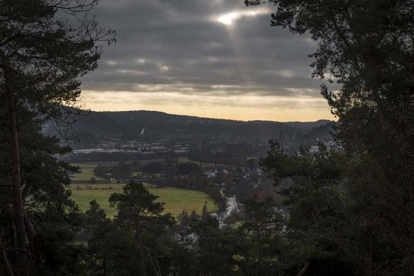 Blick auf das Lahntal mit Marburg