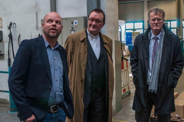 Geschäftsführer Steffen Müller, Bischof Dr. Martin Hein, Geschäftsführer Dirk Trompeter