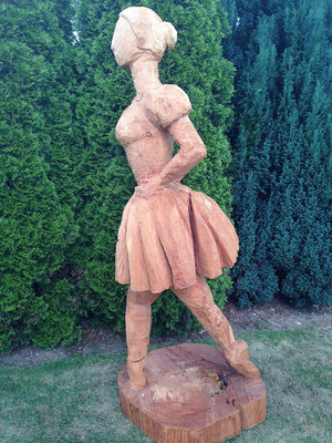 Grosse Ballerina, nach Degas (Lärche, 155 cm, 2013)