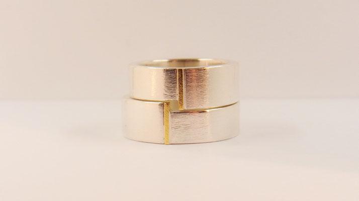 925/- Silberringe mit kleinem Golddetail. Paarpreis: 860 €