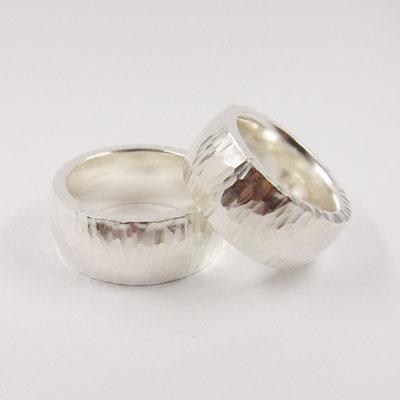 Trauringe mit Hammerschlag aus 925/- Silber Paarpreis: 1000 €