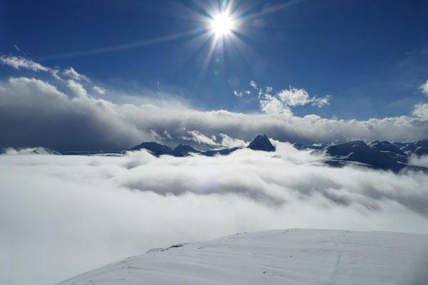 Unten im Tal liegt der Nebel - am Berg standen wir in der Sonne.