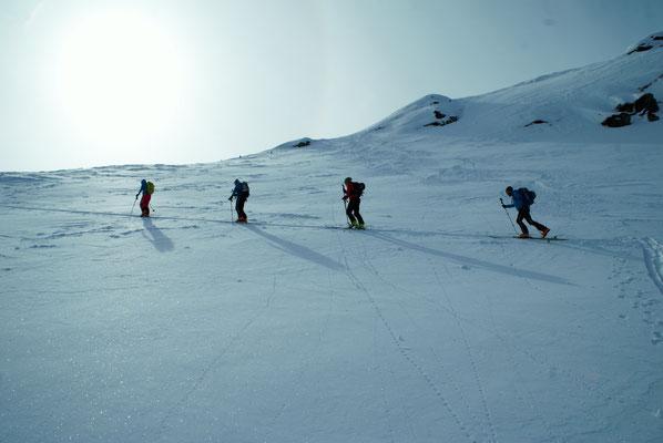 Letzte Querung raus auf den Kamm, der dann rauf zum Gipfel des Brechorns führt.