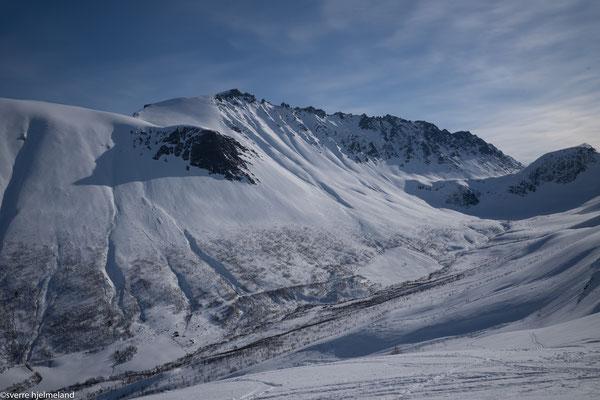 Im Kvistaddalen beim Aufstieg Blick auf den Skarasalen.