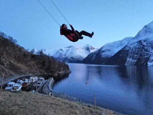 über den Fjord schaukeln kann man bei Christian Gaard auch!