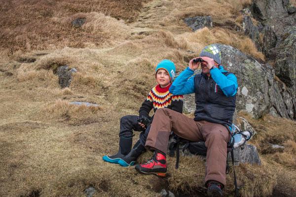 Peter und unser Runde-Guide Gaupe, Sohn von Sverre, beim Birdwatching.