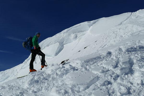 Ewald am Gipfelgrat des Brechhorns.
