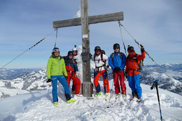 Am Gipfel des Gampenkogels, unserem Hüttenhausberg, sind wir am Samstag gleich dreimal gestanden.