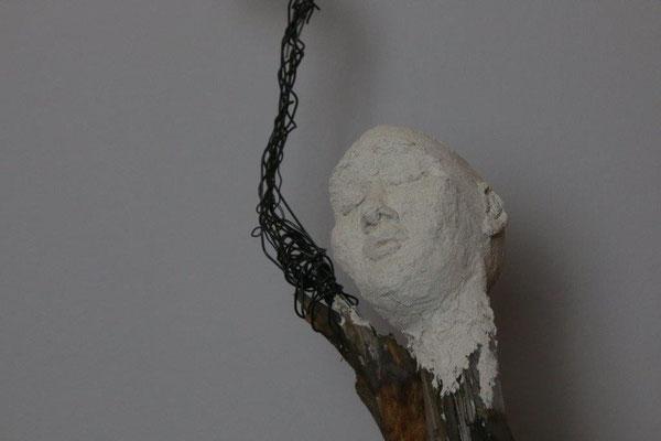 Die Welt gehört mir - Holz-Metall-Plastiform - Höhe ca. 80 cm (2017)