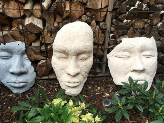 Verschiedene Masken - Ton gebrannt (2020)