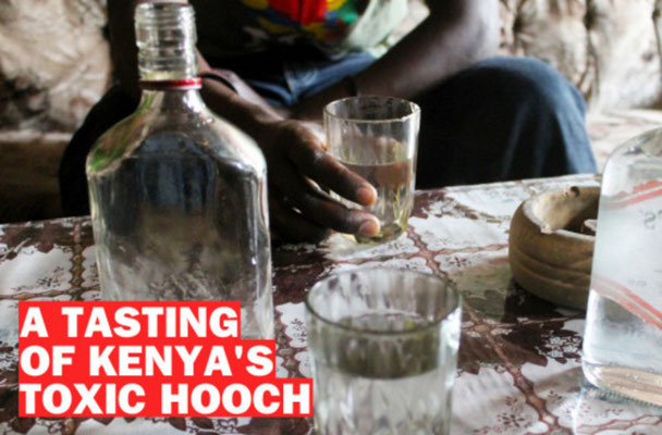 Una degustazione di liquore tossico del Kenya